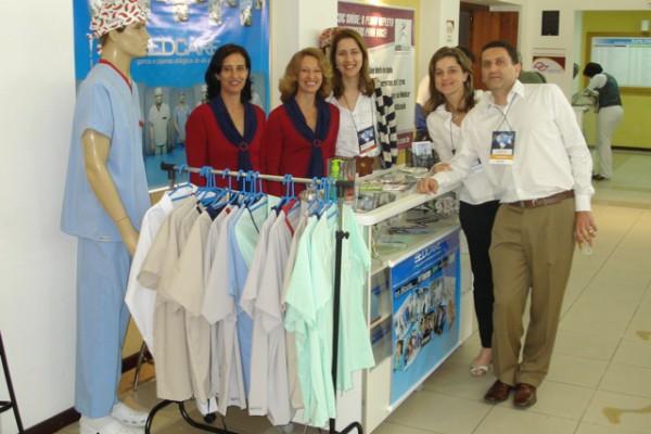 Dra. Alessandra Resende, Dra. Esther e Dr. Jorge Saade